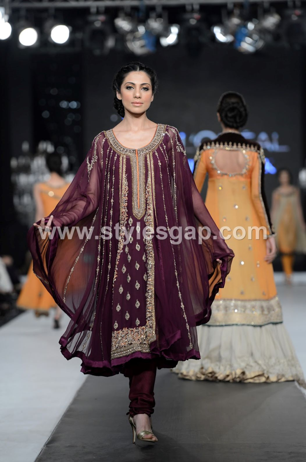 Latest Pakistani Cape Style Dresses 2018-2019 Top Designer