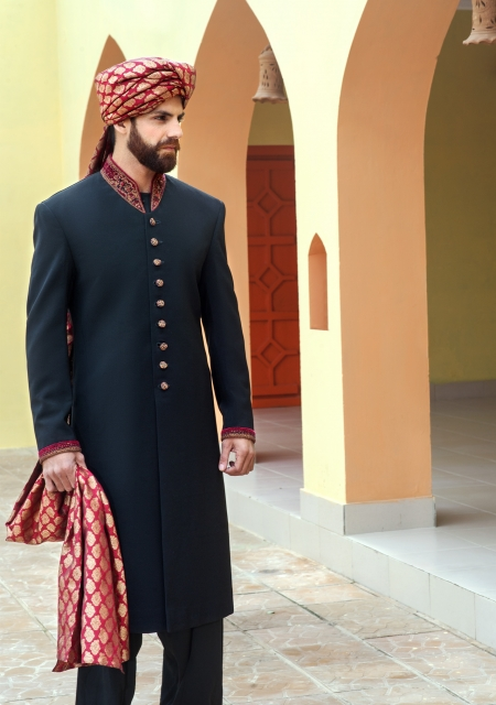 latest-mens-wedding-sherwani-by-amir-adnan-6