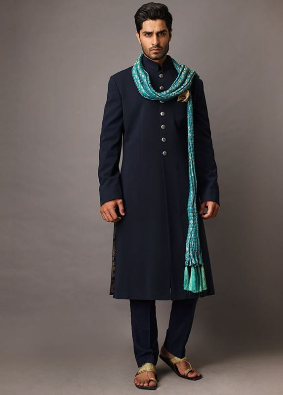 0b9de9dd78 Latest Mens Wedding Sherwani Trends 2019 by Top Pakistani Designers