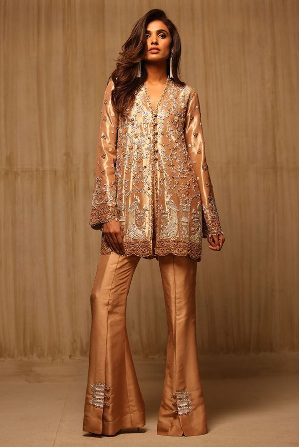 sania-maskatiya-latest-pakistani-dresses-styles-pairing-bell-bottom-pants-4