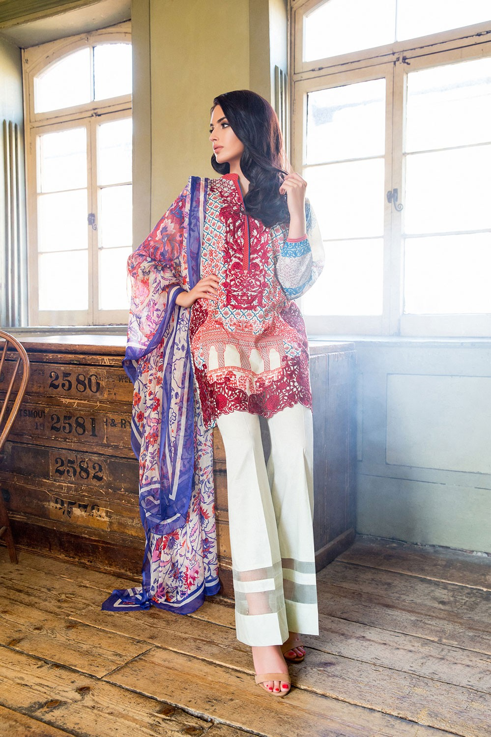 sobia-nazir-latest-pakistani-dresses-styles-pairing-bell-bottom-pants