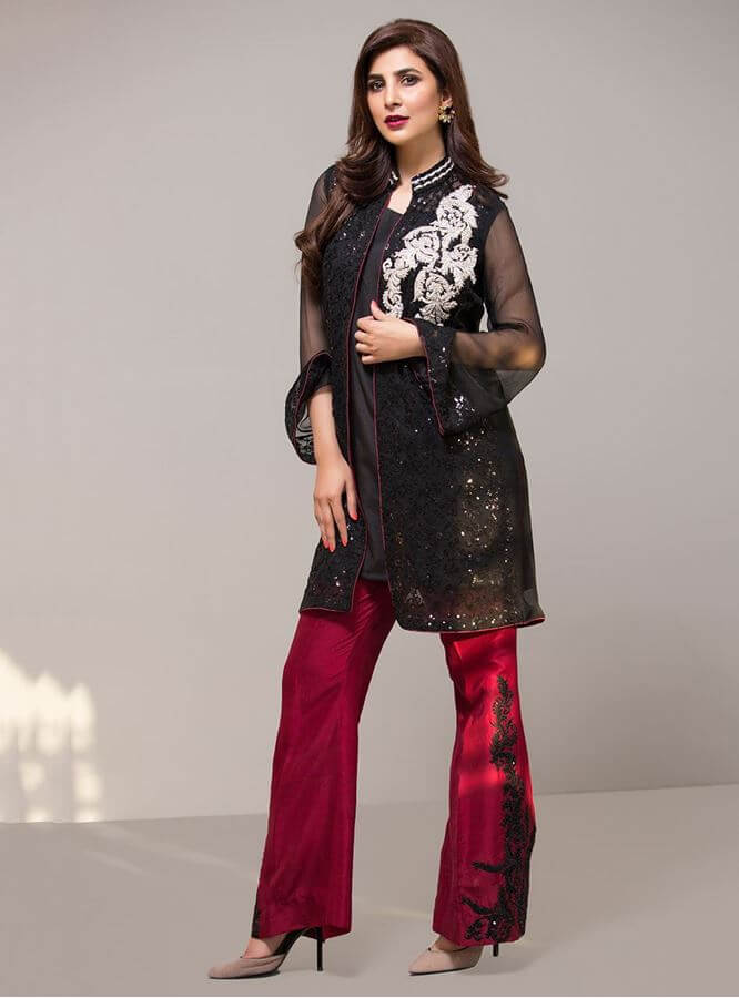 zainab-chottani-latest-pakistani-dresses-styles-pairing-bell-bottom-pants-4