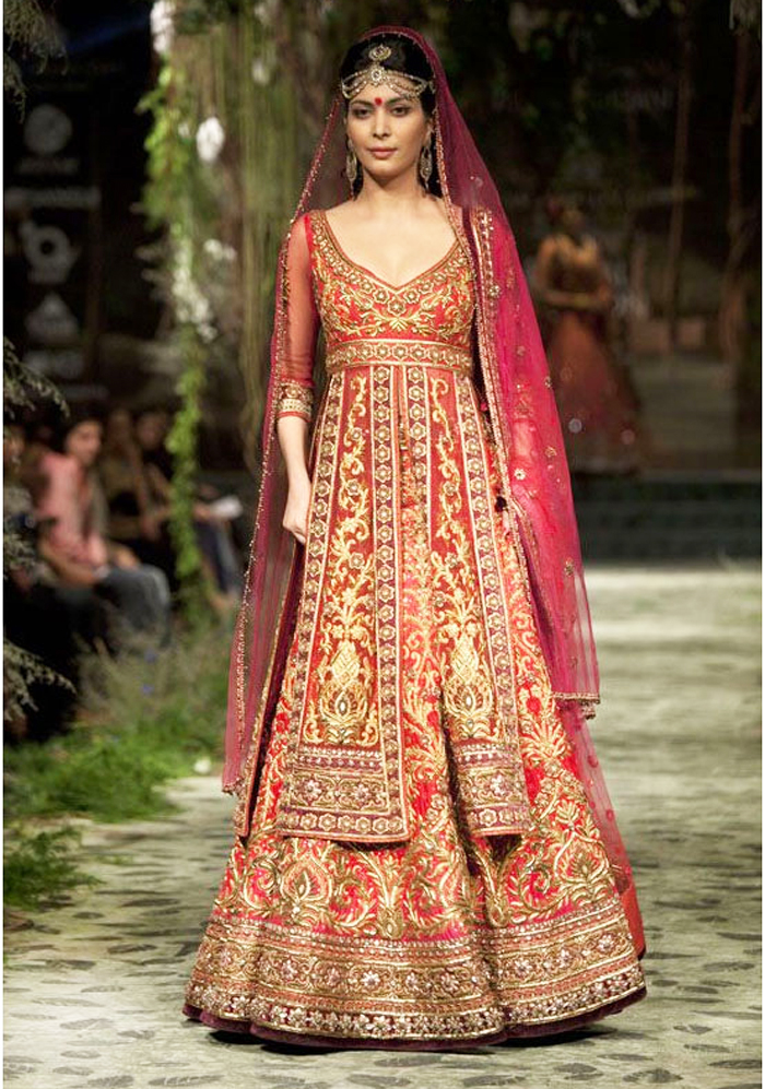 Sabyasachi-Mukherjee-Top 10 Famous & Best Indian Bridal Dresses Designers (3)