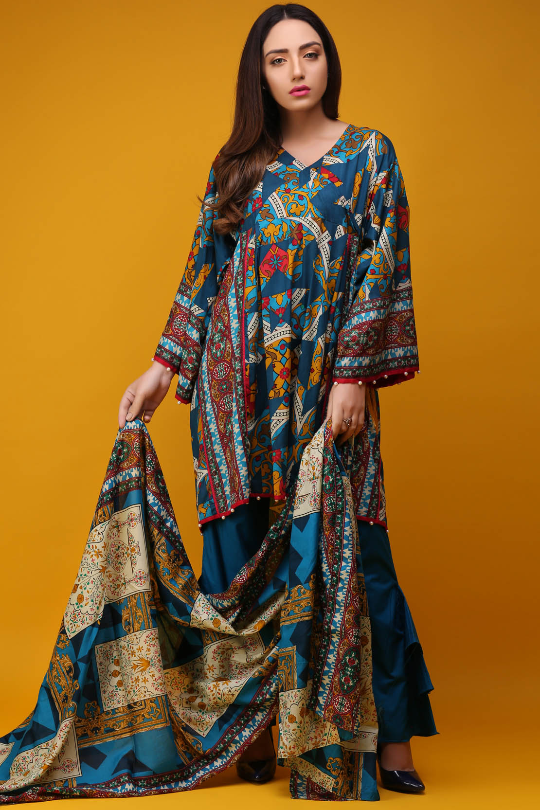 2193ed82eb Warda Latest Summer Dresses Printed & Embroidered Collection 2018-19 ...