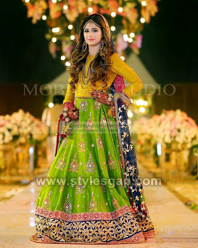 Latest Bridal Mehndi Dresses Designs 2019,2020 Collection