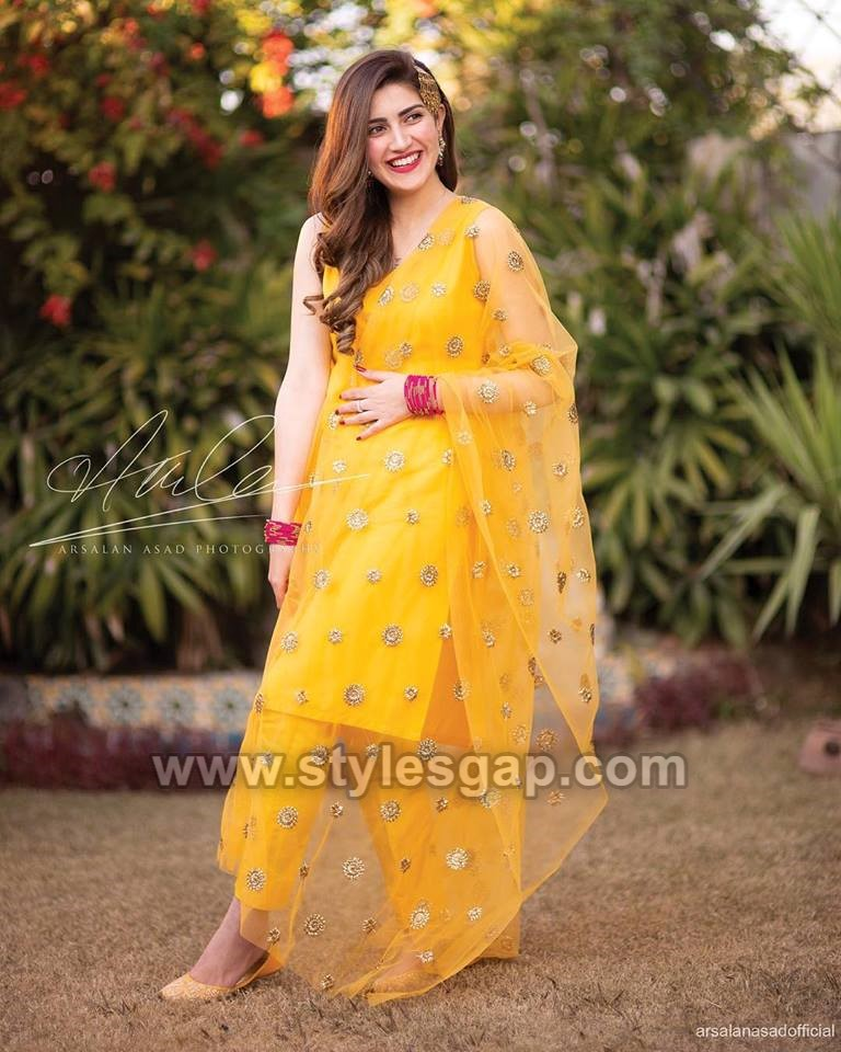 0cfb59370d A medium length or long shirt with churidar pajama also looks great for  mehndi and mayun functions. Here we are two different shalwars trends, ...