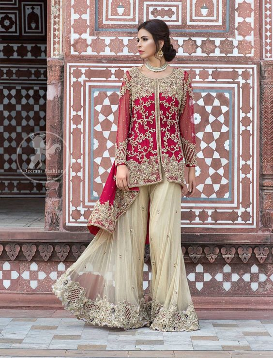 41e724a005 The greater the volume of the bottom the greater it will suit to the  designed frock or top. Latest Pakistani Short Frocks Peplum ...