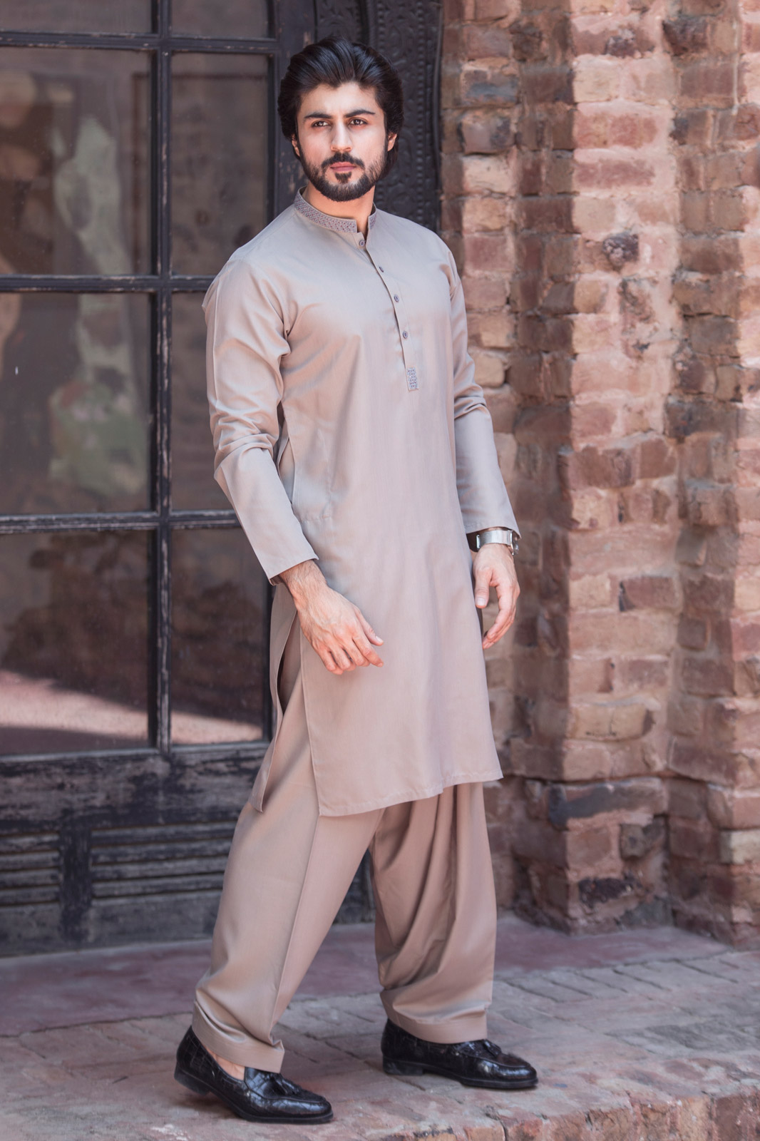 bonanza single guys Bonanza garments have been launched its latest men kurta shalwar or kameez shalwar collection 2015 for the most anticipated religious event of eid on the day of eid, every single men should have to wear new stylish shalwar kameez set or kurta shalwar because this is our traditional values.