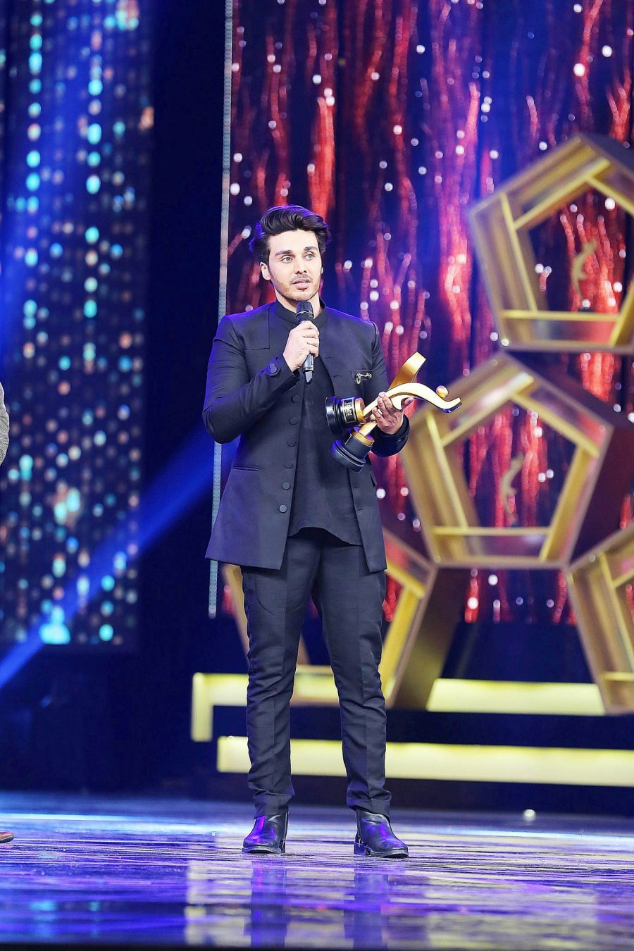 Ahsan- Top 10 Best Dressed Celebrities at PEL 5th Hum Awards 2017