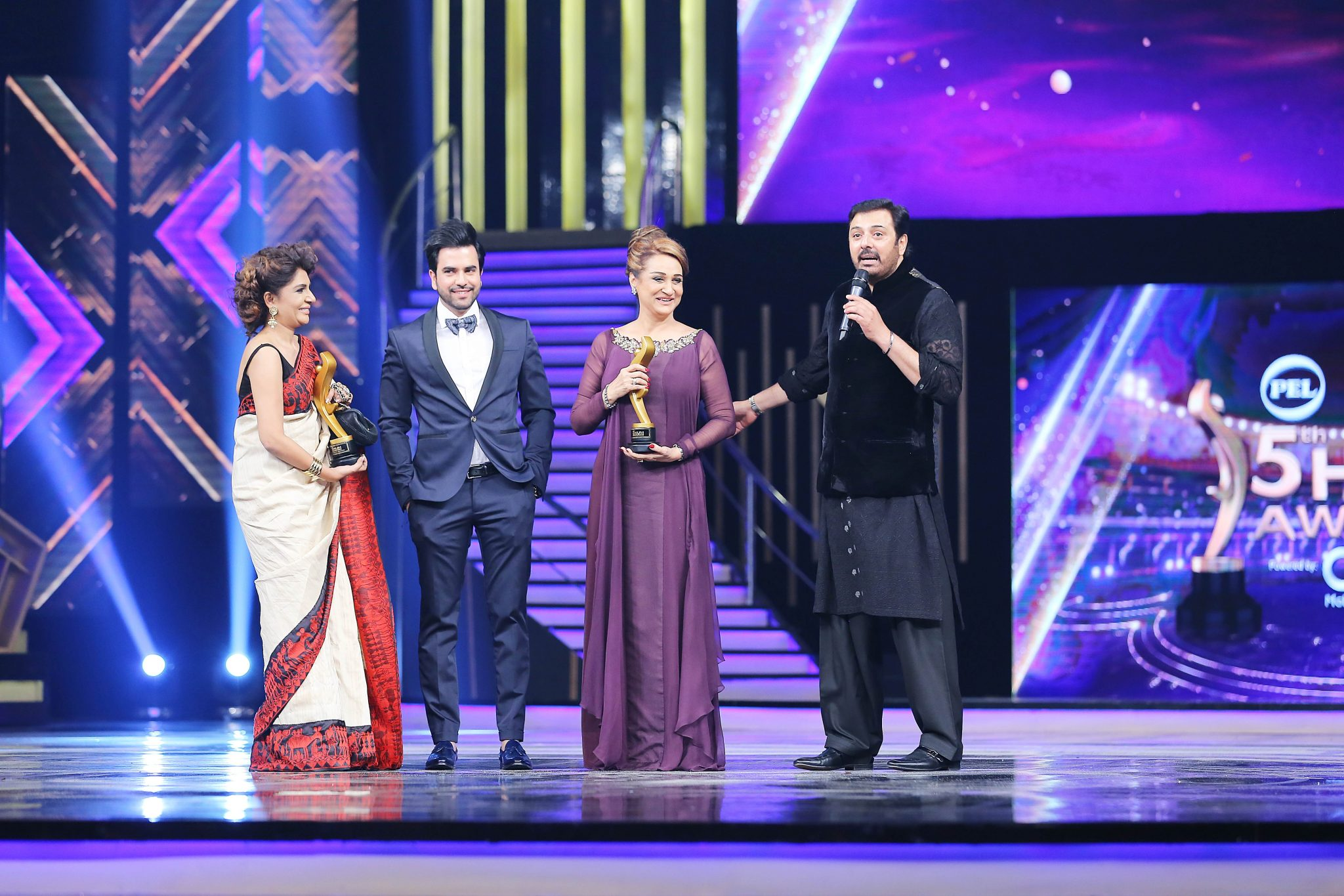 Best Award Show of the Season PEL 5th Hum Awards 2017 Full Highlights (26)