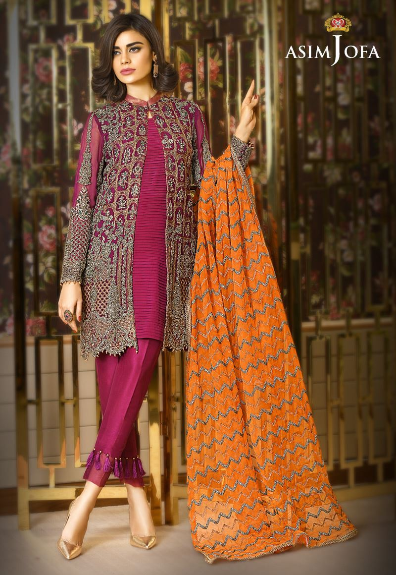 496dfc171c Stock your formal wardrobe with these chic outfits and make your Eid day  glamorous. Pakistan best female models Noor Bhatti and Amna Baber are hired  to ...