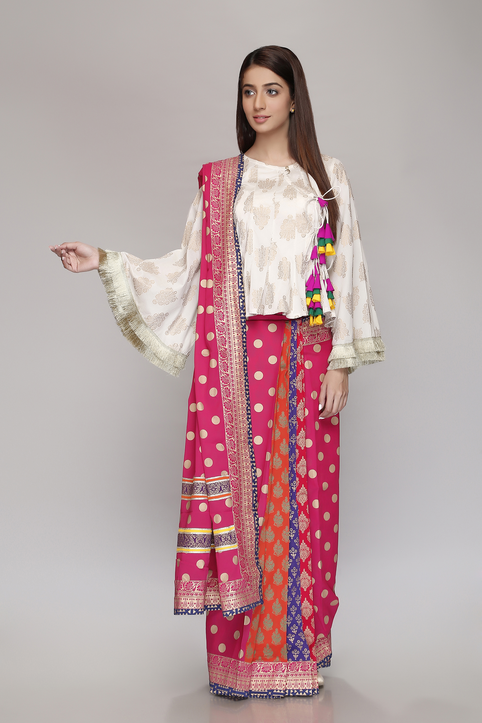 a3c2b648f57 Nowadays the trend of wearing tulip pants are very much famous in Pakistan   it is regarded to the latest trend in Pakistani fashion.