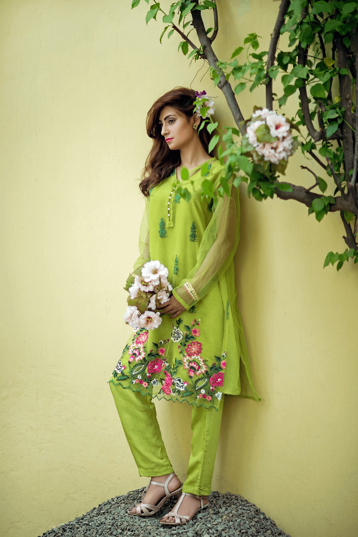 Cute Lahori Ink Semi Formal Eid Dresses Designs Collection 2017-18 (9)