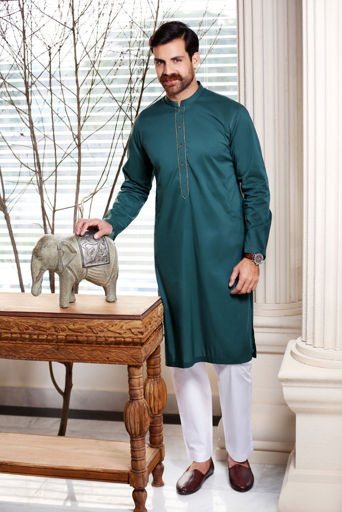 Khas Latest Men Fashion Eid Kurta Designs Collection 2017-18 (1)