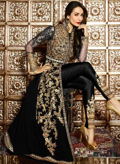 "8bb81337c5 ""The salwar kameez collection at Lashkaraa range from suave and sleek  formal wears to stunning and opulent party wears that are super stylish and  ..."