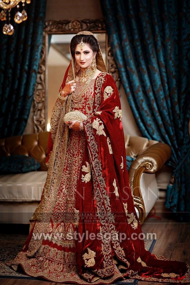25d576f4fa Latest Bridal Lehenga Designs Collection for Pakistani Indian & Asian Brides  (20)