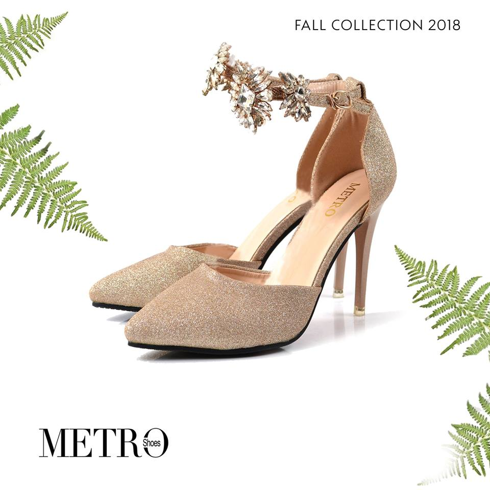 Metro Shoes Stylish Winter Footwear Designs Collection ...