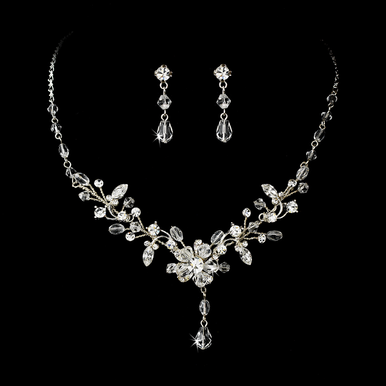 Latest Christmas Jewelry Gift Ideas for Her/ Xmas Jewelry Trends images 10