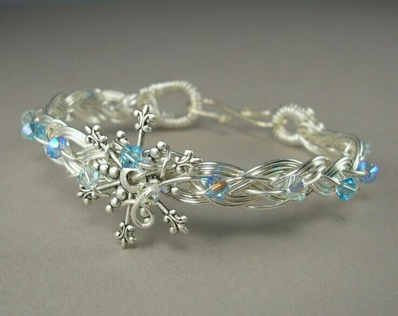 Latest Christmas Jewelry Gift Ideas for Her/ Xmas Jewelry Trends images 16