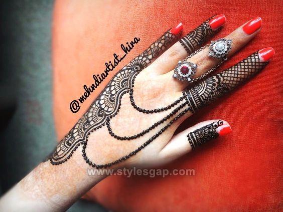 best finger mehndi design