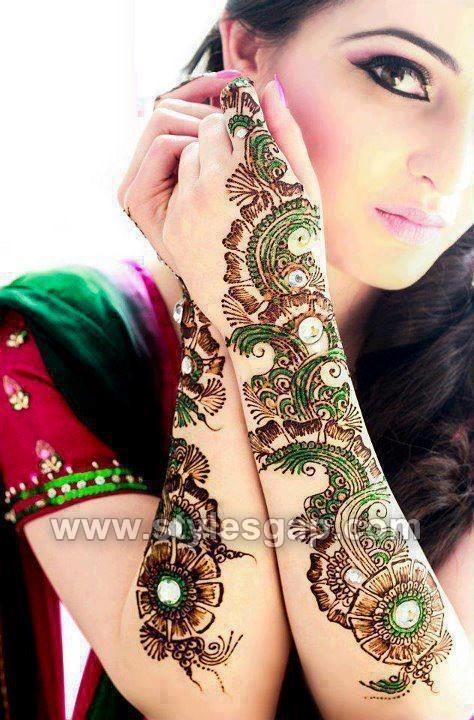 Colorful Glitter Mehndi Designs (22)