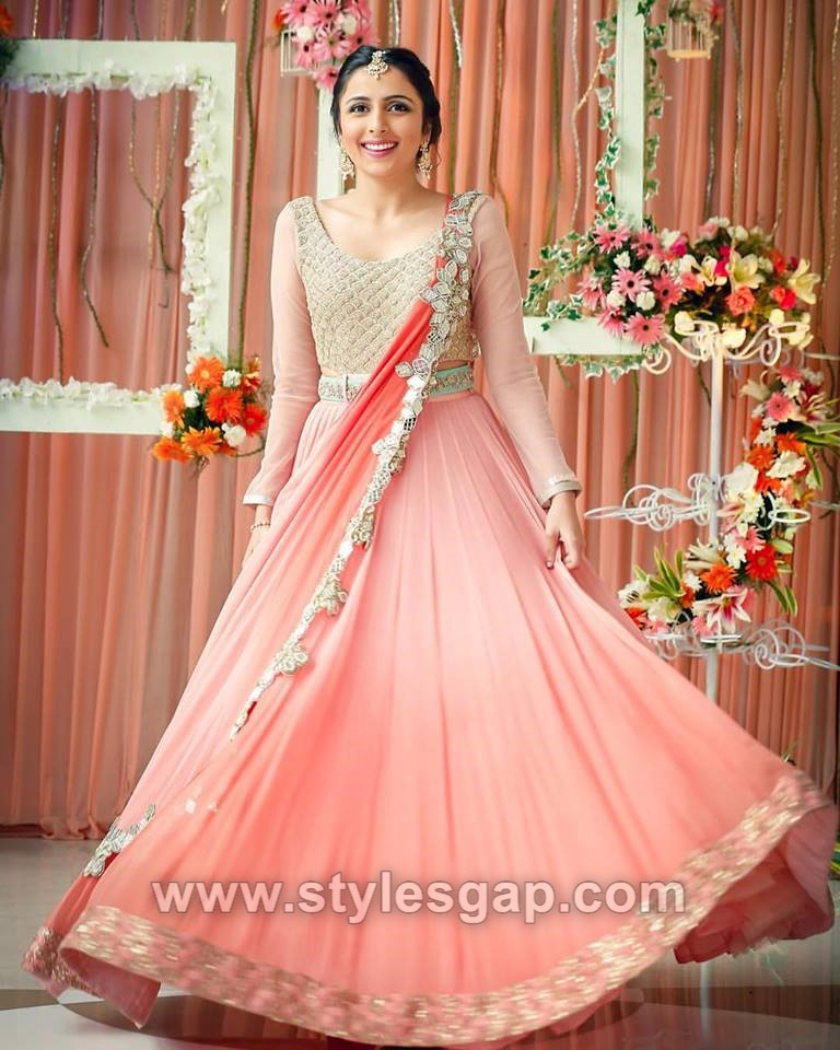 Indian Wedding Long Gowns: Latest Indian Bridal Dressing Trends 2018-19 Makeup