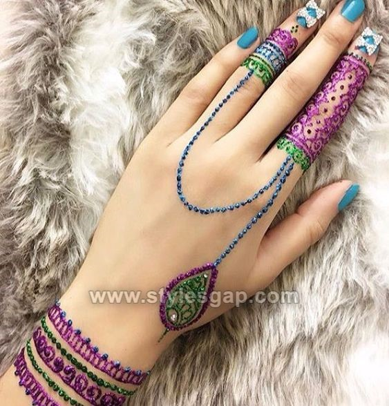 Lovely Glitter Mehndi Designs (5)