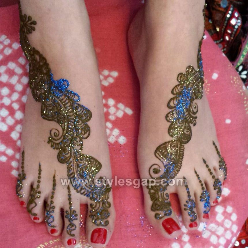 Stylish Glitter Mehndi Designs Trends 2018-19 Collection