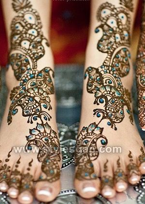 Stylish Glitter Mehndi Designs Trends Collection 2018-2019
