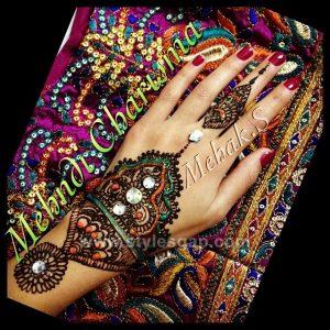 Stylish Glitter Mirror Mehndi Designs (10)