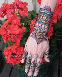 Stylish Trendy Glitter Mehndi Designs (4)
