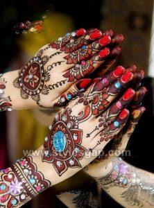 Stylish Wedding Glitter Mehndi Designs (7)