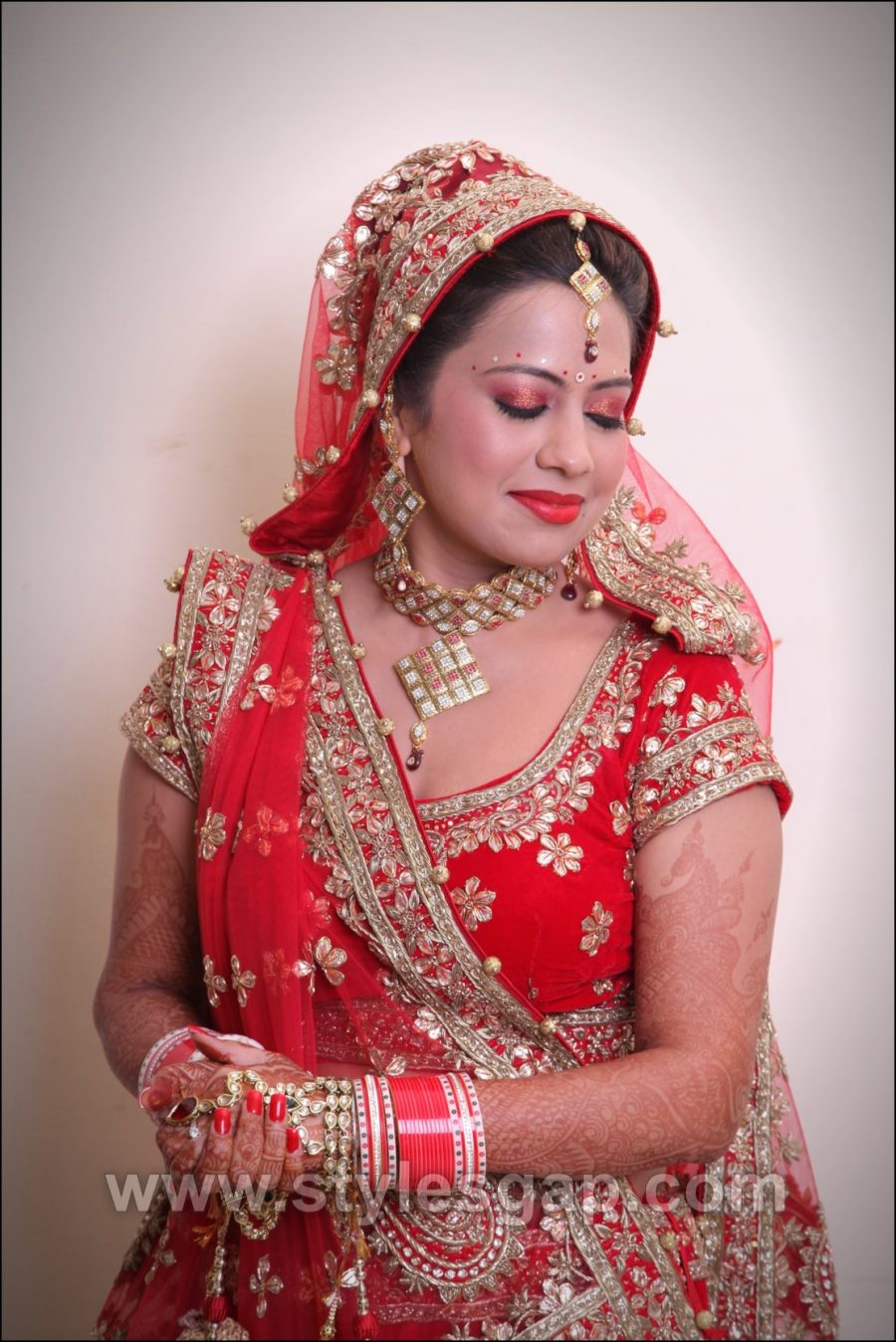 But If We Take A Look At Royal Dressing Style Of Ladies Which Is Known As Rajasthani Poshak Then It Indeed Heart Throbbing Mirrors The Culture And