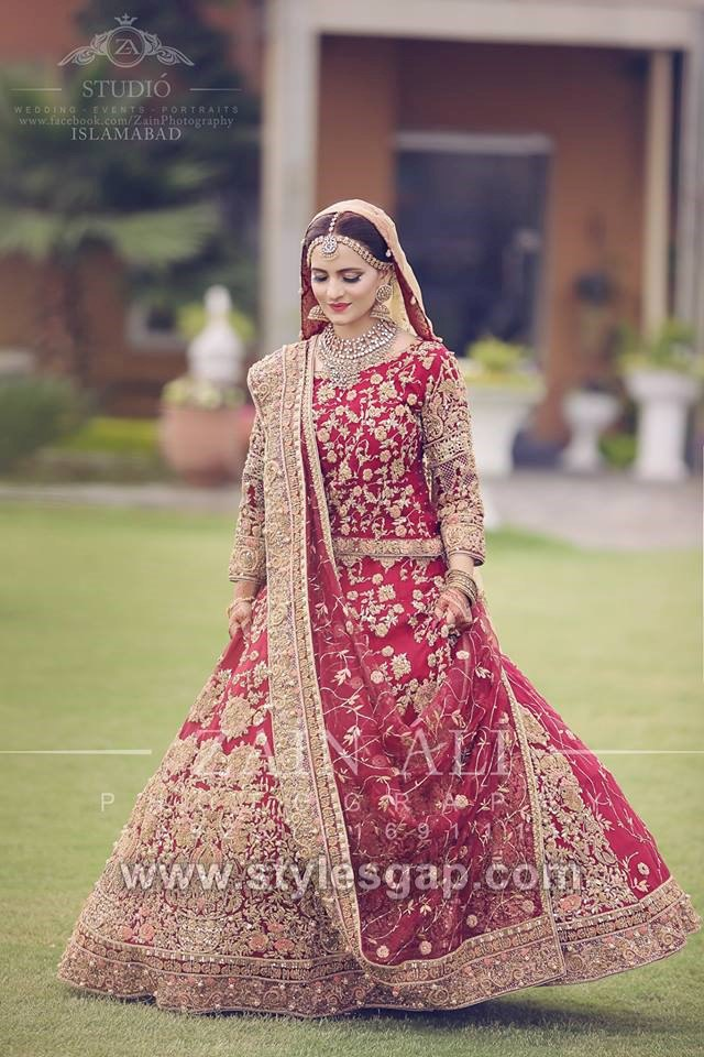 bb9957b42e7 Beautiful models were seen ramping in fabulous bridal dresses by HSY