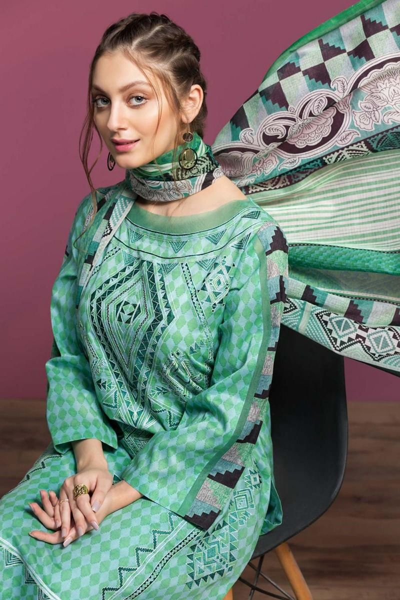 Best Lawn Dresses to Wear Nishat Linen Spring Summer Collection