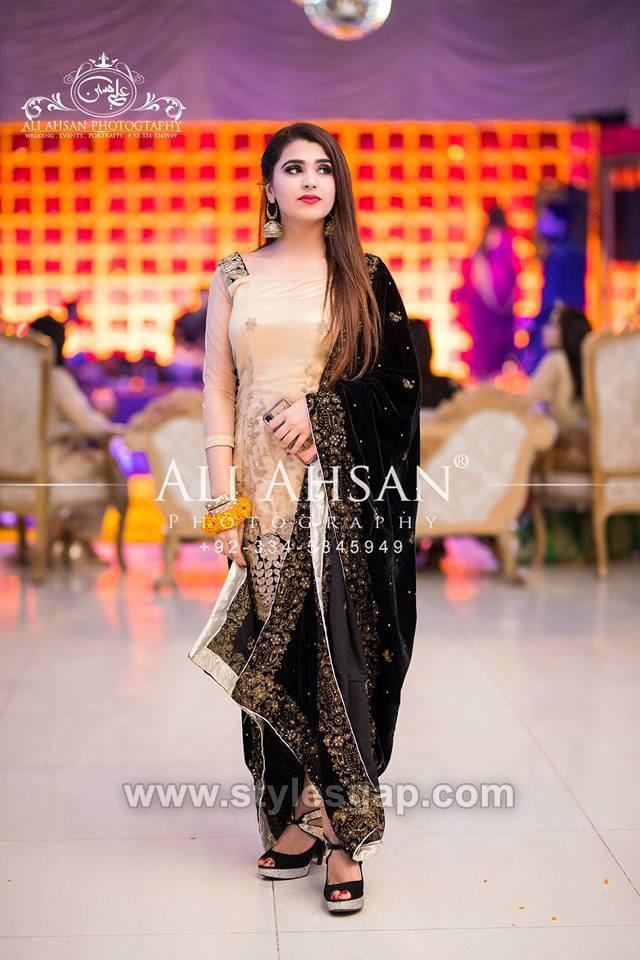 black shawl designs