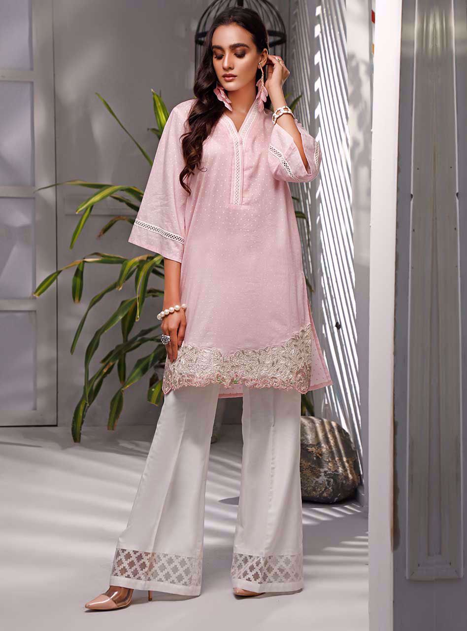 Latest Pakistani Lawn Collections